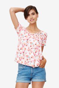 Løs ammebluse i rosa print