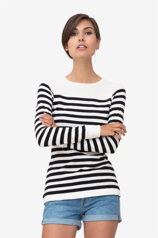 Black/white striped nursing shirt made in organic cotton knit